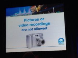 No se permiten fotos. ( WTF!!)